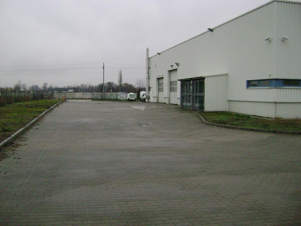 ipari-ingatlan001
