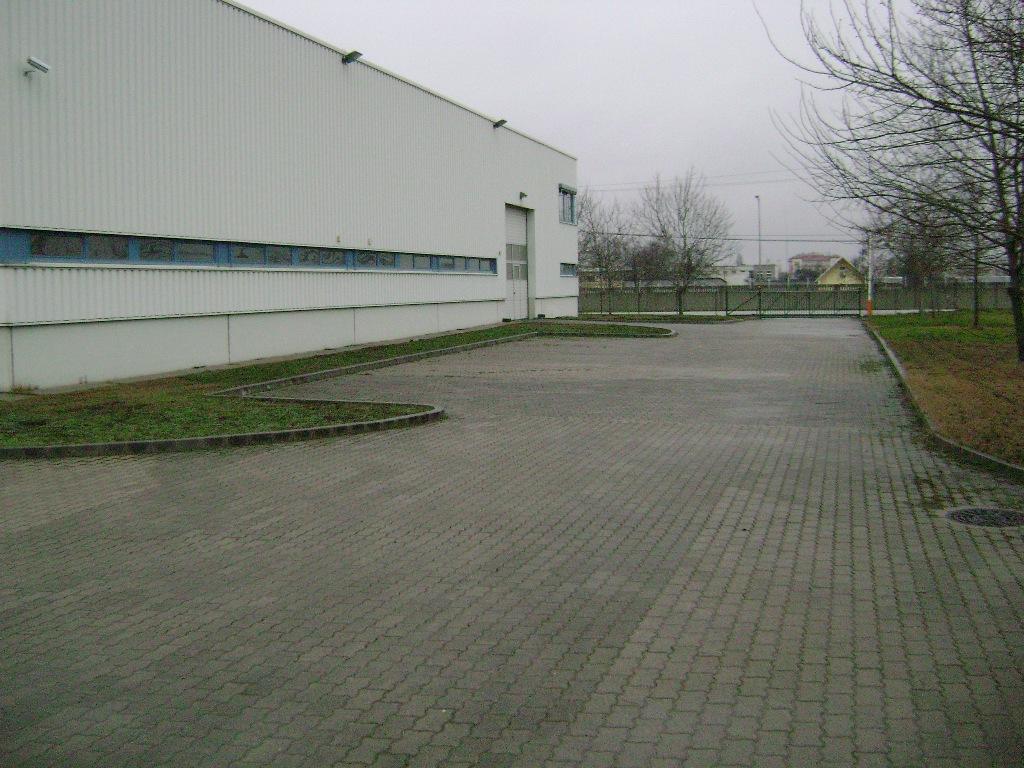 ipari-ingatlan056